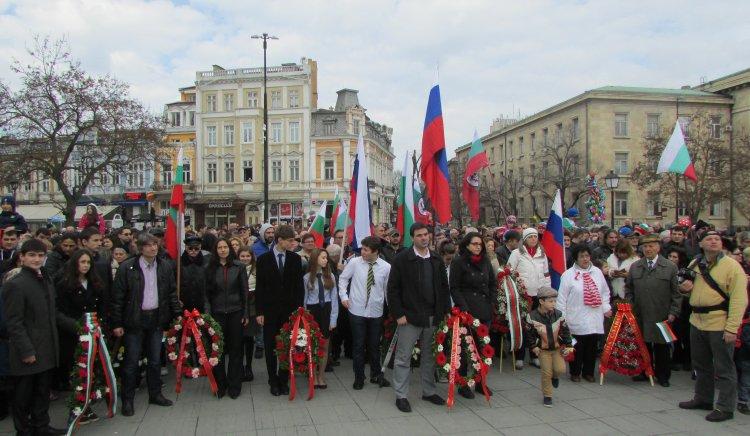 Социалистите в Русе поднесоха цветя с признателност към падналите за освобождението на родината
